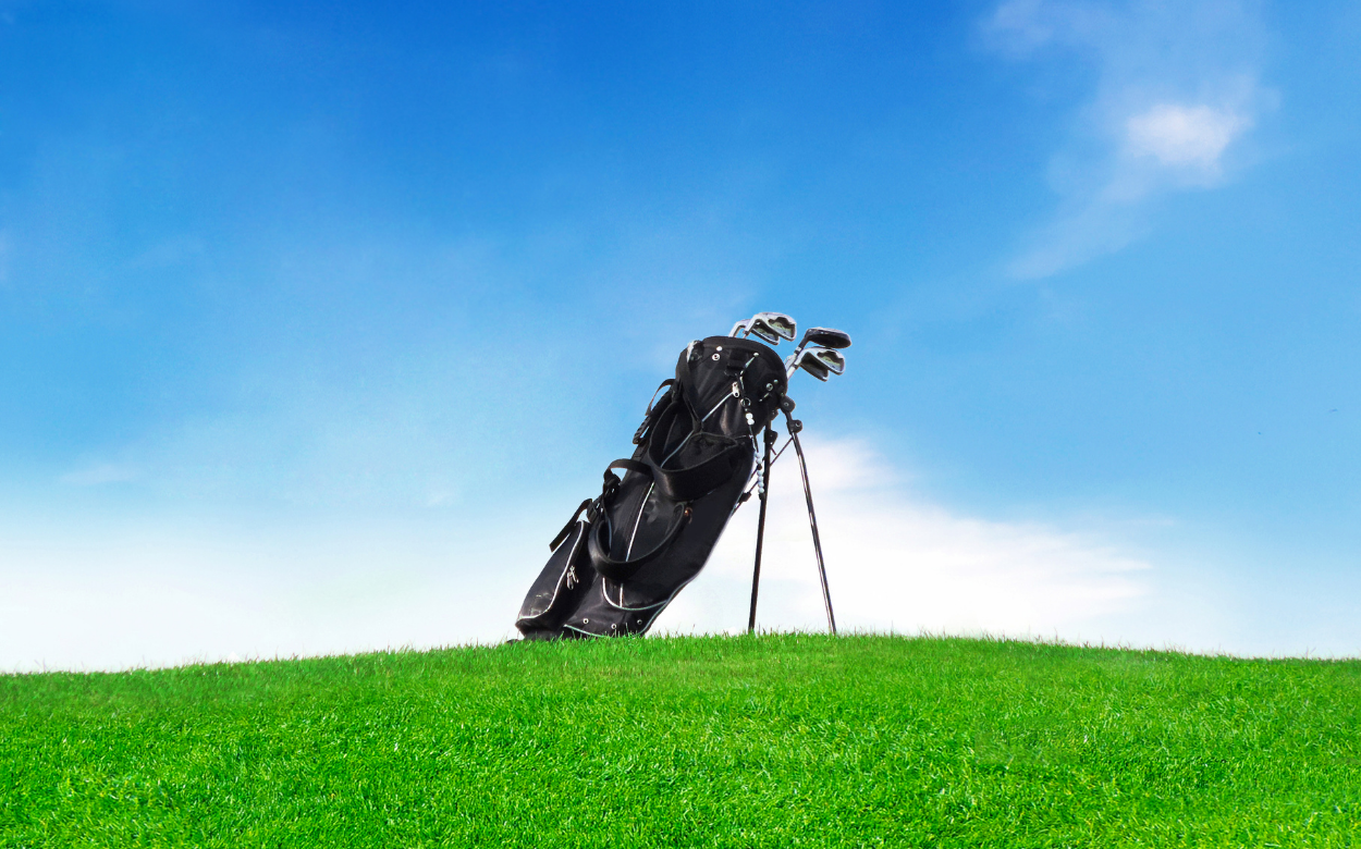 Golf Essentials (What To Always Have In Your Bag) (1)